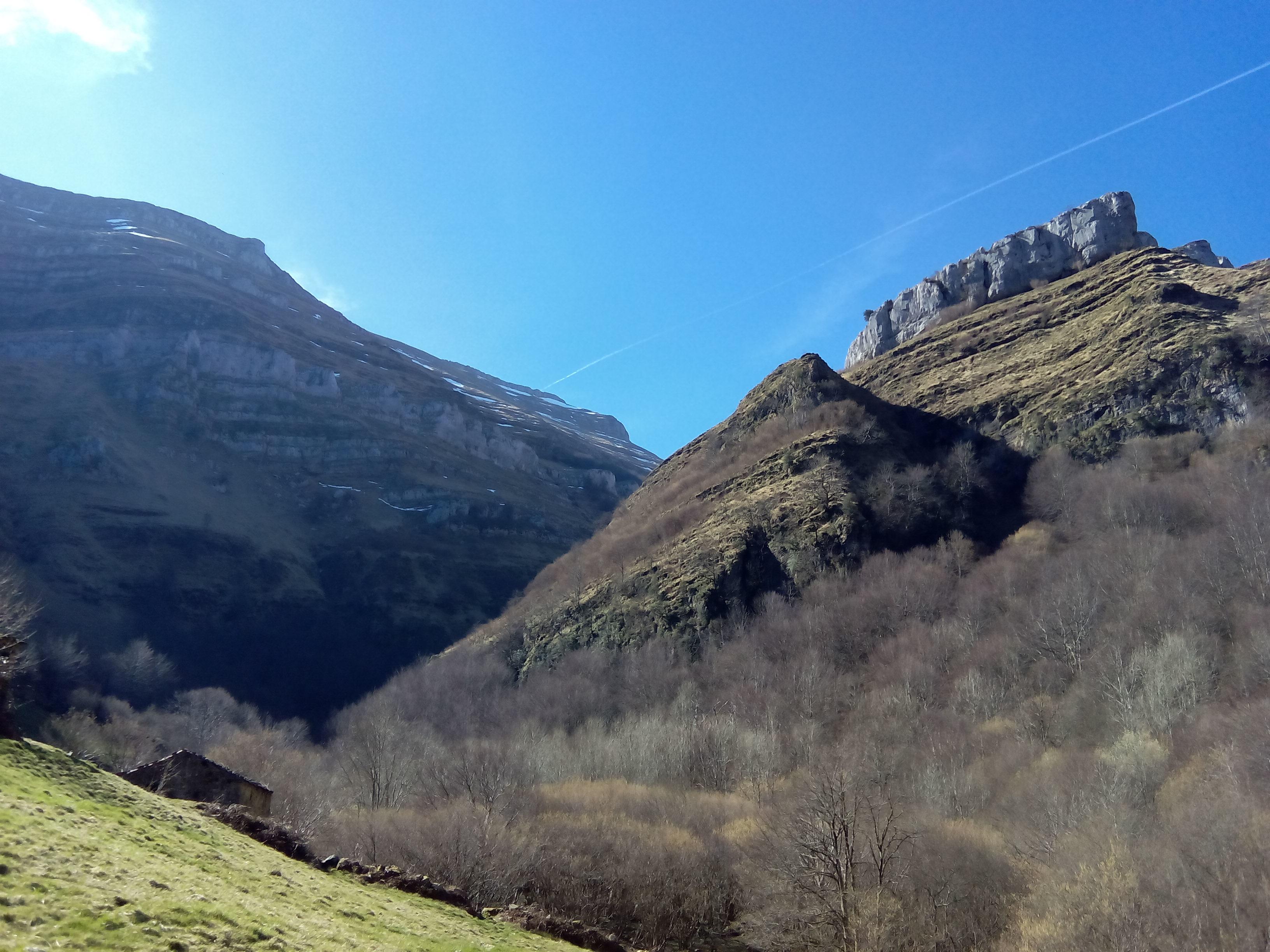 Canal de Rolacias- Entrellusa