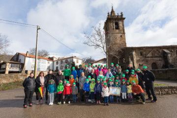 """Una jornada de homenaje al """"Abuelo"""", el nogal centenario de Hoz de Abiada, con el CEIP Rodriguez de Celis"""