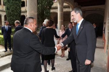 Pedro Gómez, presidente de la Red Cántabra de Desarrollo Rural, recibe el premio Carlos V