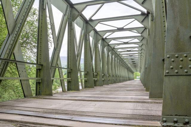 ntiguo Puente del Ferrocarril sobre la Vía Verde del Pas