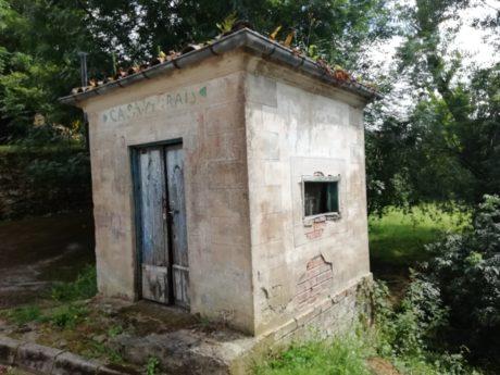 Depósito de leche en Cotillo (Anievas).