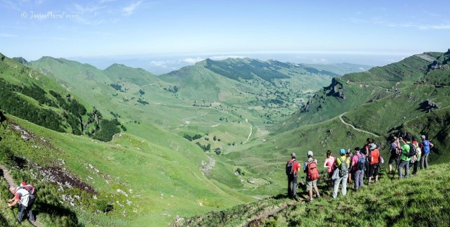 Efectos de la deforestación en las montañas del Miera. Vista desde el Puerto de Lunada. Autor Javier Maza