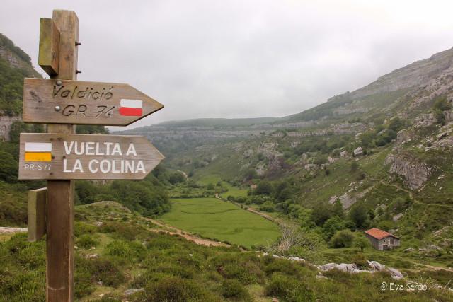 Señalización de itinerarios en el Alto de la Posadía.