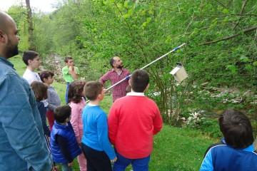 Explora tu río trabaja la restauración ecológica de los ríos con jóvenes voluntarios de las escuelas del medio rural