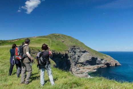 Cabo Quejo: la costa de los halcones