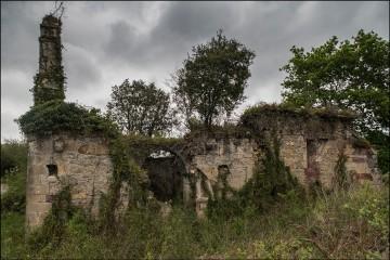 Camino de la torre del medievo