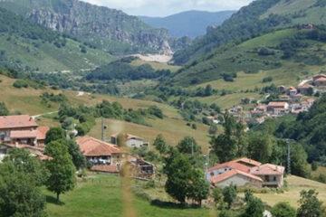 Apoyo de los Grupos de Acción Local y de la Red Cántabra de Desarrollo Rural al Consejero de Desarrollo Rural del Gobierno de Cantabria en materia de gestión del lobo