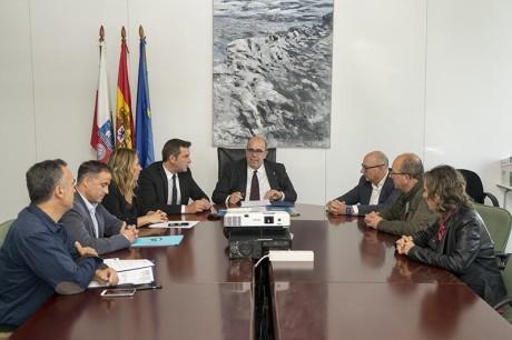 11:00Despacho del consejero El consejero de Medio Rural, Pesca y Alimentación, Jesús Oria, firma convenios con los Grupos de Acción Costera.  21 SEP 17