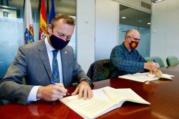 Gobierno y Red Cántabra de Desarrollo Rural renuevan su colaboración para fomentar el programa Naturea Cantabria